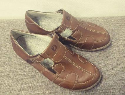 Erityijalkineet-sandaalit